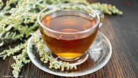 Chá de artemísia pode tratar a malária, diz estudo