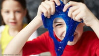 Febre entre crianças, slime traz riscos à saúde