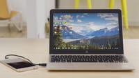 Gadget transforma celular Android em laptop