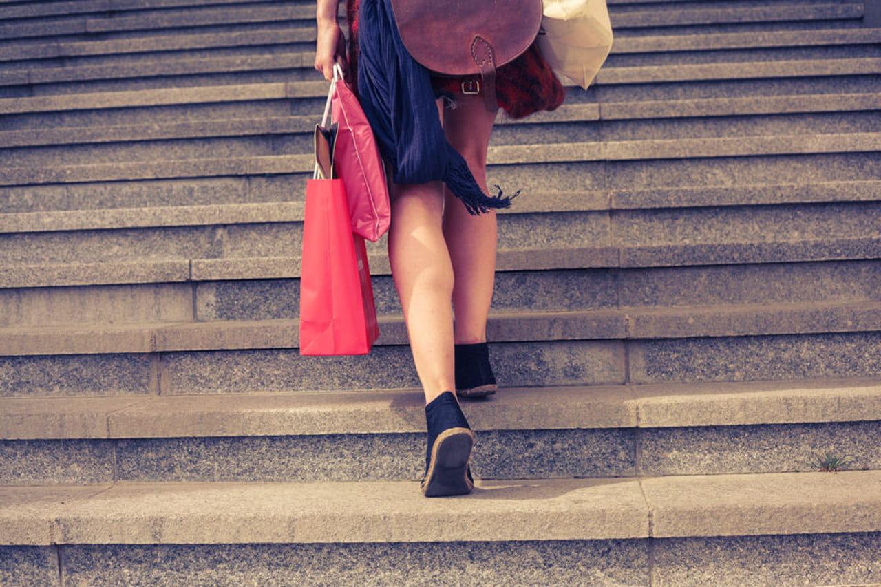 o que faz com que as pernas de uma pessoa fiquem pesadas