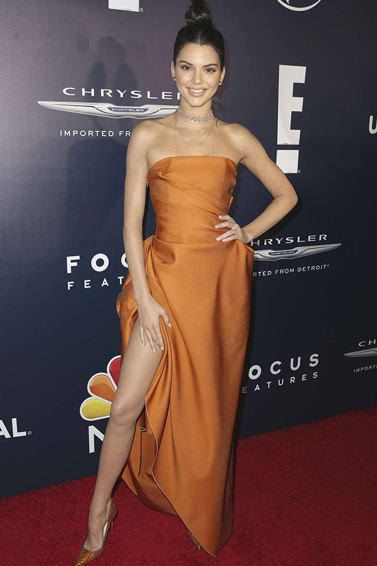 Look Da Semana Vestido Laranja Cool De Kendall Jenner