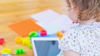 Smartphone à noite prejudica o cérebro infantil