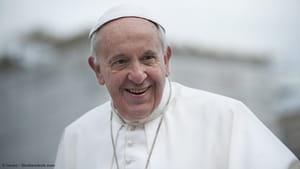 Papa lança aplicativo para rezar online