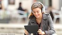 Ouvir música reduz a criatividade, diz estudo