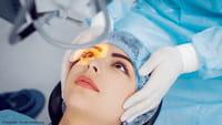 Sinais da doença que causa cegueira repentina