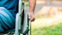 Estímulo elétrico faz paraplégicos andarem