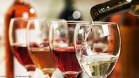 Estudo: vinho tinto combate bactérias da boca